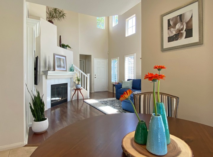 Flowers and Plants in Home Staging