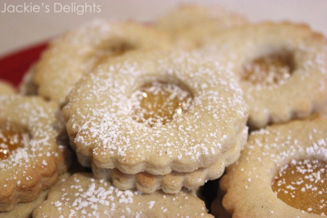 almond linzers.1