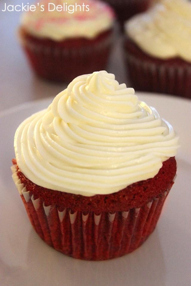 red velvet cupcakes.4