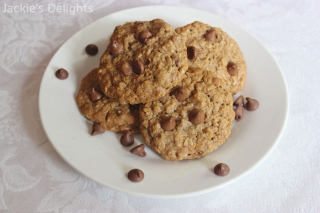 chocolate chip oatmeal cookies.1