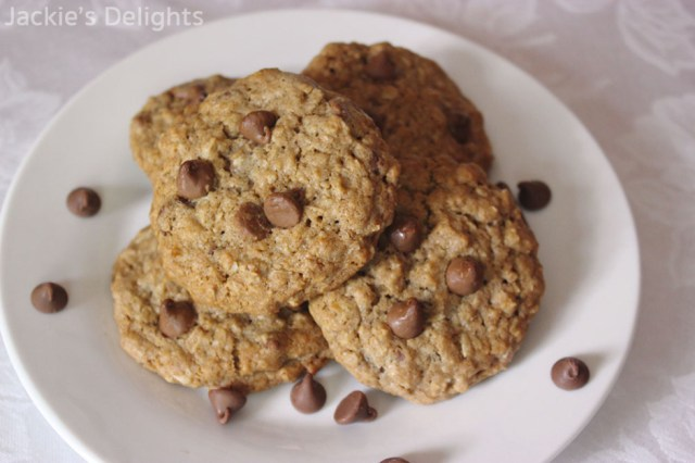 chocolate chip oatmeal cookies.2
