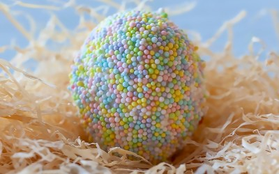 How to Cover Easter Eggs in Sprinkles!