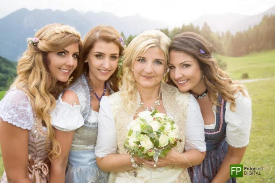 Die Freundinen - Der schönste Tag mit Jackis Blumen