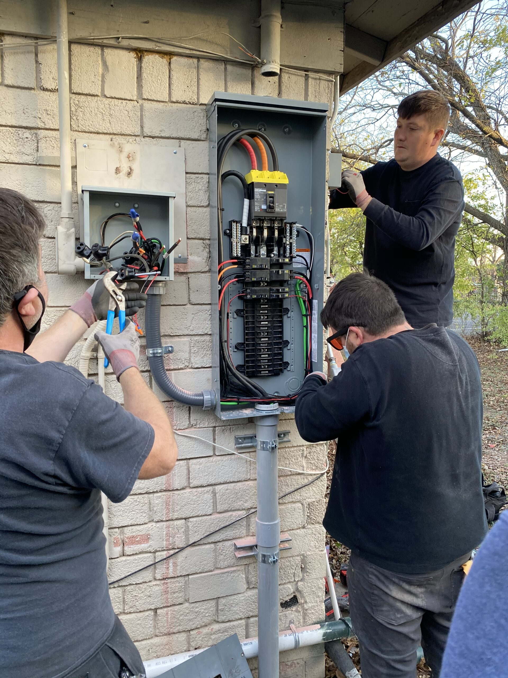 electricians electrical service residential exterior
