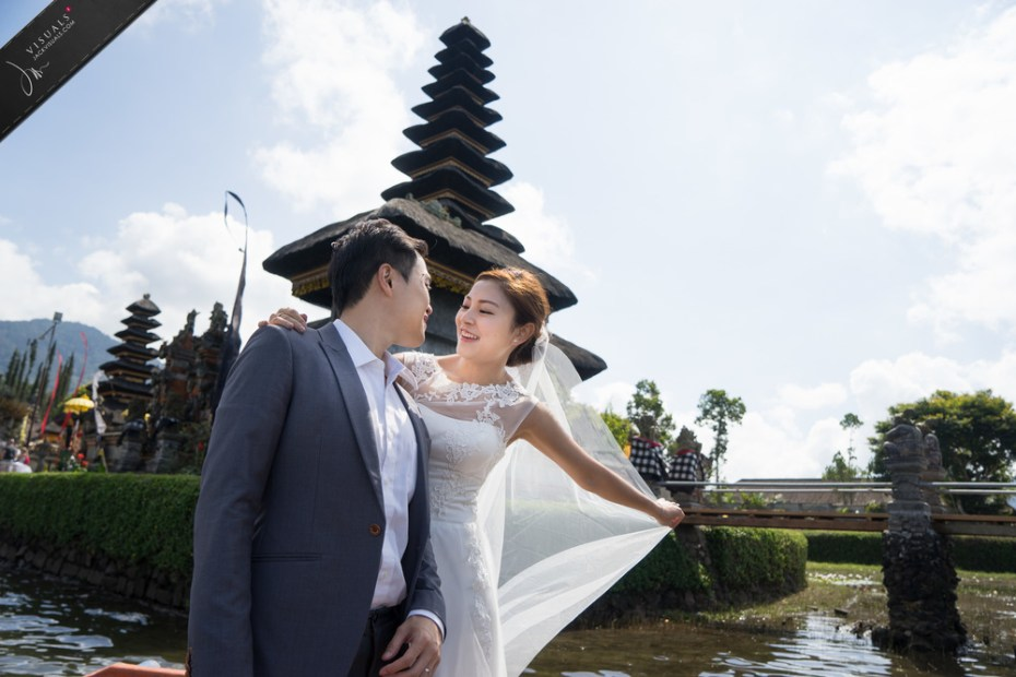 Young couple in Bali photography
