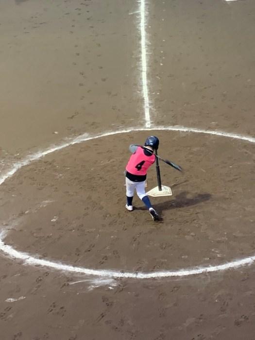 水, 地面 が含まれている画像  自動的に生成された説明