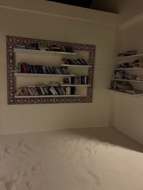 Bücherregal auf den Maldiven