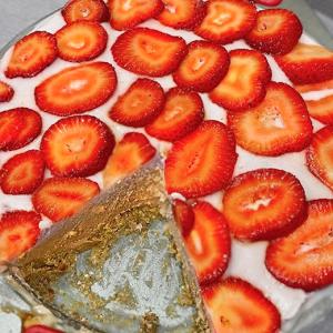 No Bake Chocolate Cake Featured