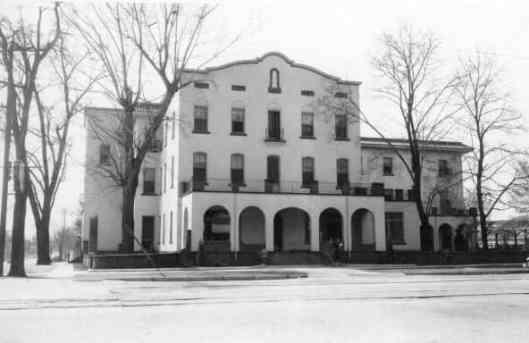 52. Hotel Roberts