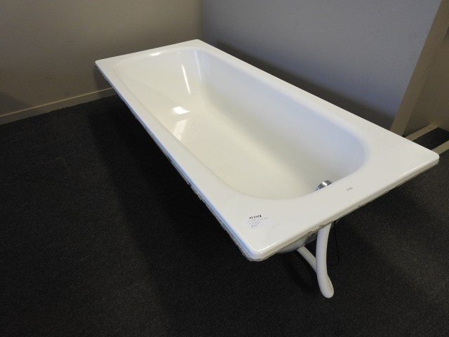 Roca Bath - Steel With Remote Plug And Overflow Outlet