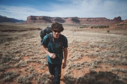 Hiking up - copyright: François Lebeau
