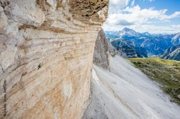 The looong new crux pitch - Credits: Klaus Dell'Orto
