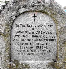 Owain E W Greaves headstone