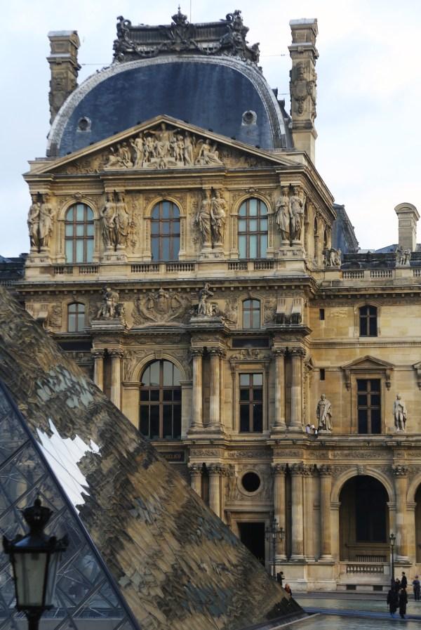 Paris Louvre Tokidoki Nomad