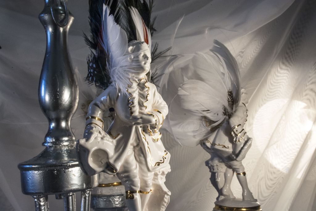 porcelain-figure-detail-chandelier