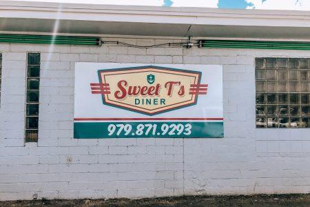 Food in Freeport: Breakfast, Lunch &  Dinner
