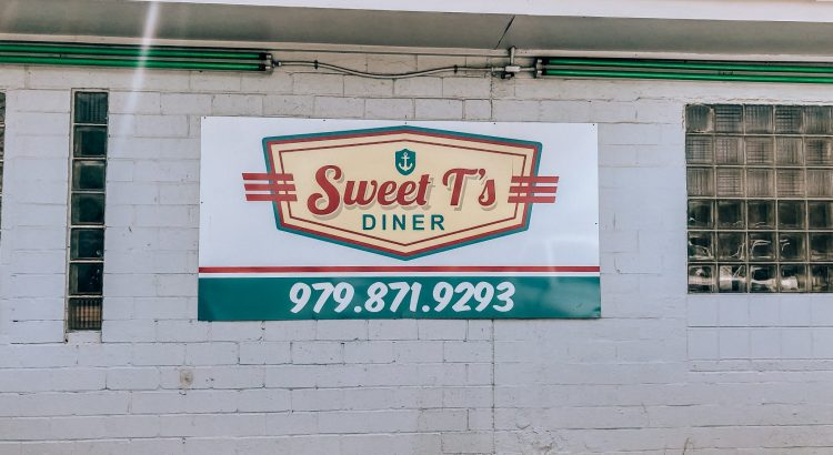 Sweet T's Diner in Freeport
