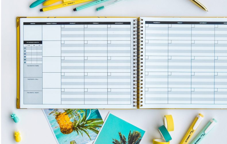 The perfect fillable planner for bloggers, small business owners and social media influencers!