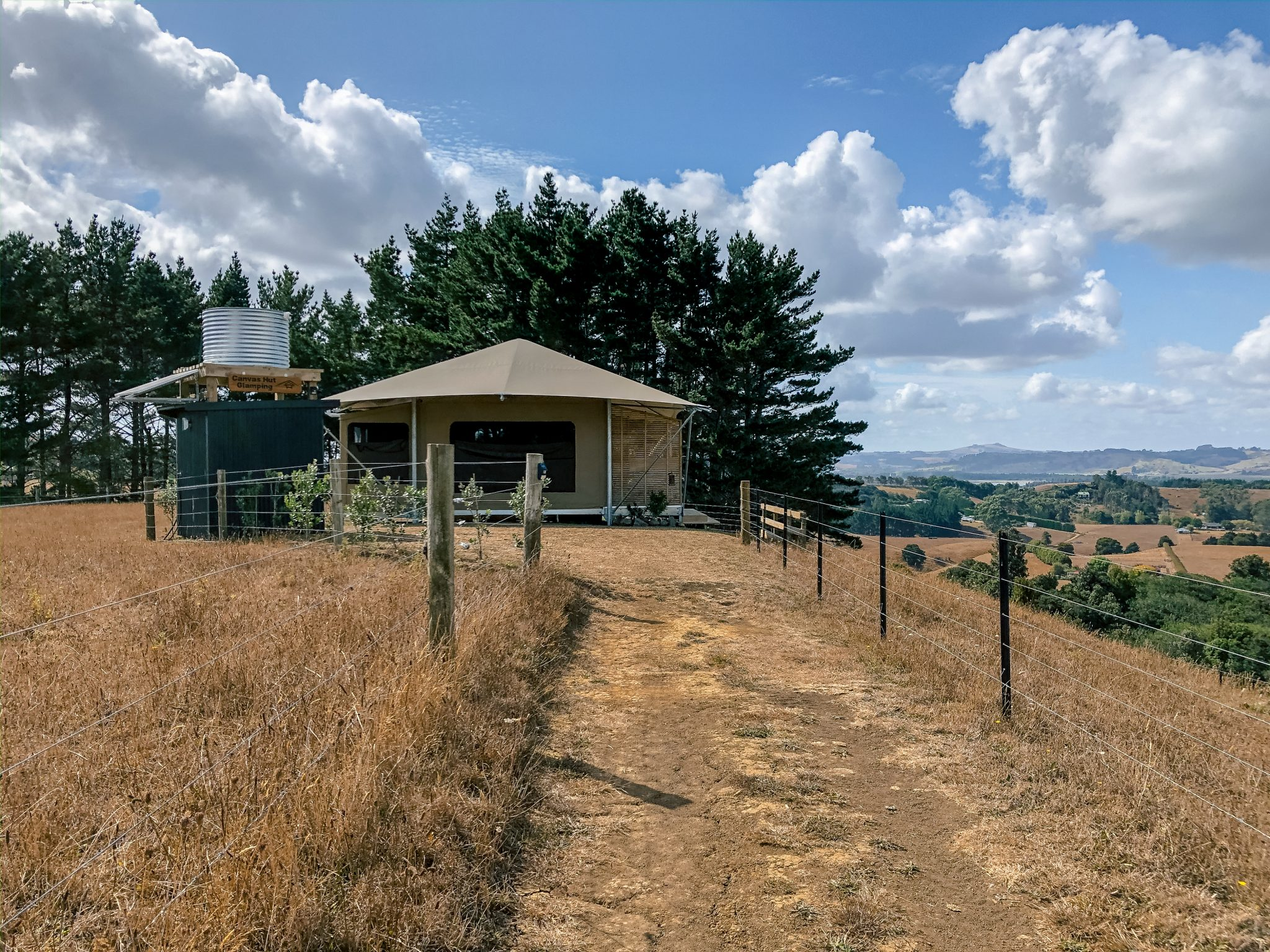 Unique Accommodations near Auckland, New Zealand