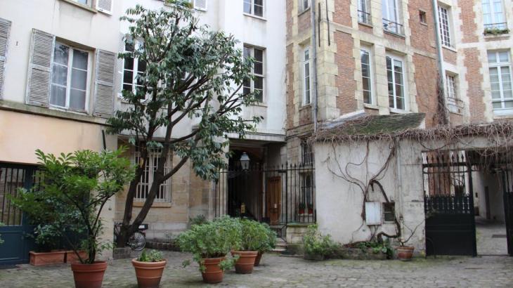 cours intérieures Paris