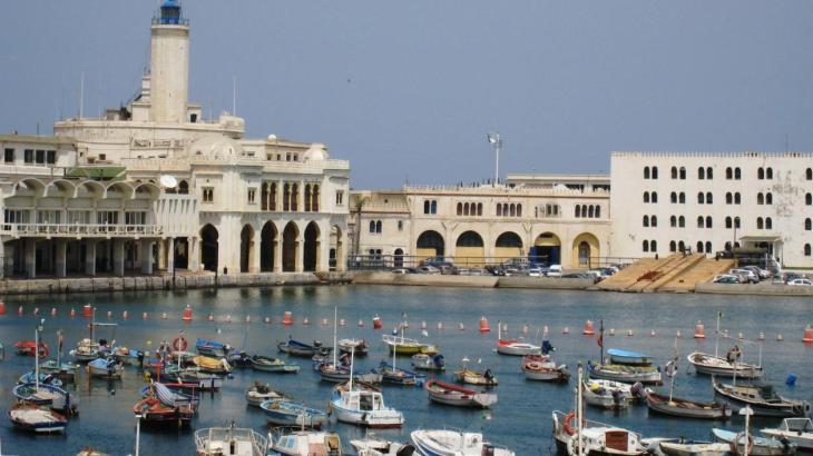 Algérie histoire longue. Vue du vieux port d'Alger