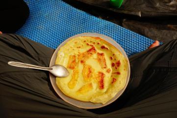 le petit dej du 2eme jour... pancackes a la banane et ananas