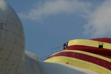 Cleaning time of the giant buddha