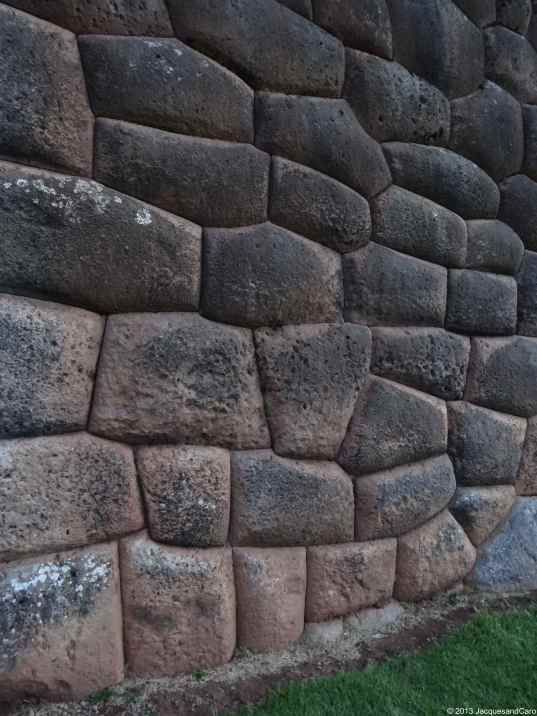 Details of one of the terrace wall… Again no ciment between the stone which perfectly fit together...