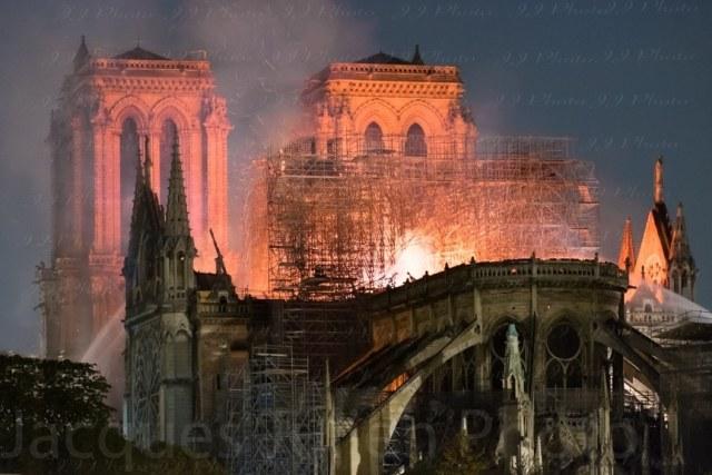 Cathédrale Notre-Dame de Paris en feu – 15/04/2019