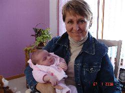 C'est au tour de ma sœur Louise de faire connaissance avec la petite Chloé.