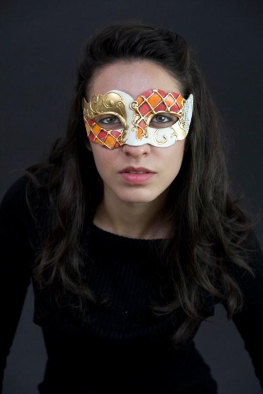 Mask3 (683x1024)