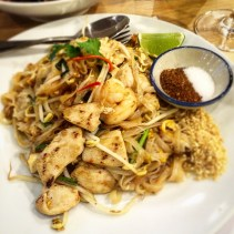 Pad Thai with chicken and prawns