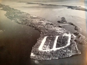 Aerial of Sewall' Point, 1960 by Dillon-Reynolds Photography, showing new roads in Bessemer's High Point.