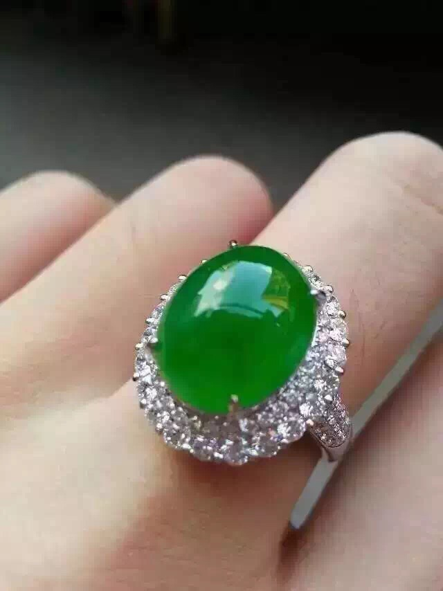 Diamond pave setting royal green translucent glass jade