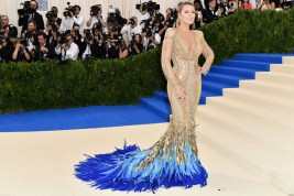 I will always be biased towards Blake Lively, so I give you permission to take my words with a pinch of salt when I say this is my absolute favourite dress of the evening, and no one could wear this 2000 carrat jewelled Atelier Versace gown better than Blake! Haters can hate (if they dare), but she seldom gets it wrong.