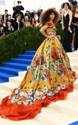 Zendaya is a real show stopper in this bold and beautiful Dolce & Gabbana design. I love.