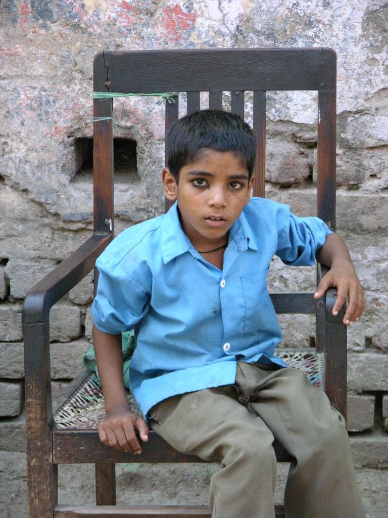 Indian kid at Taj Mahal, India, image by Jade Jackson