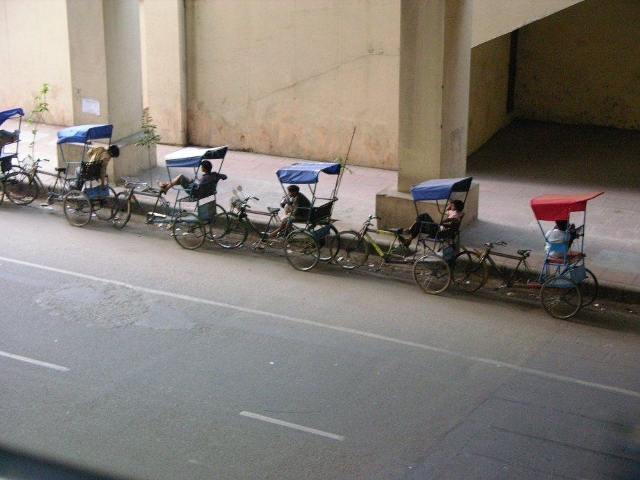 Ricshaw drivers Mumbai, India, tricycle india, Mumbai, India, image by Jade Jackson