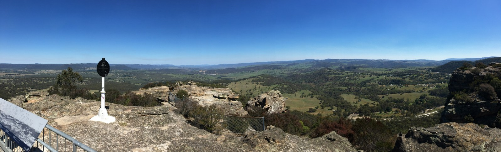 Hassan's Walls Lookout, Lithgow. Image by Jade Jackson.