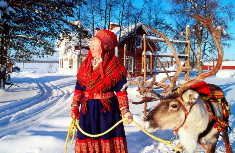 book cheap flights to Finland