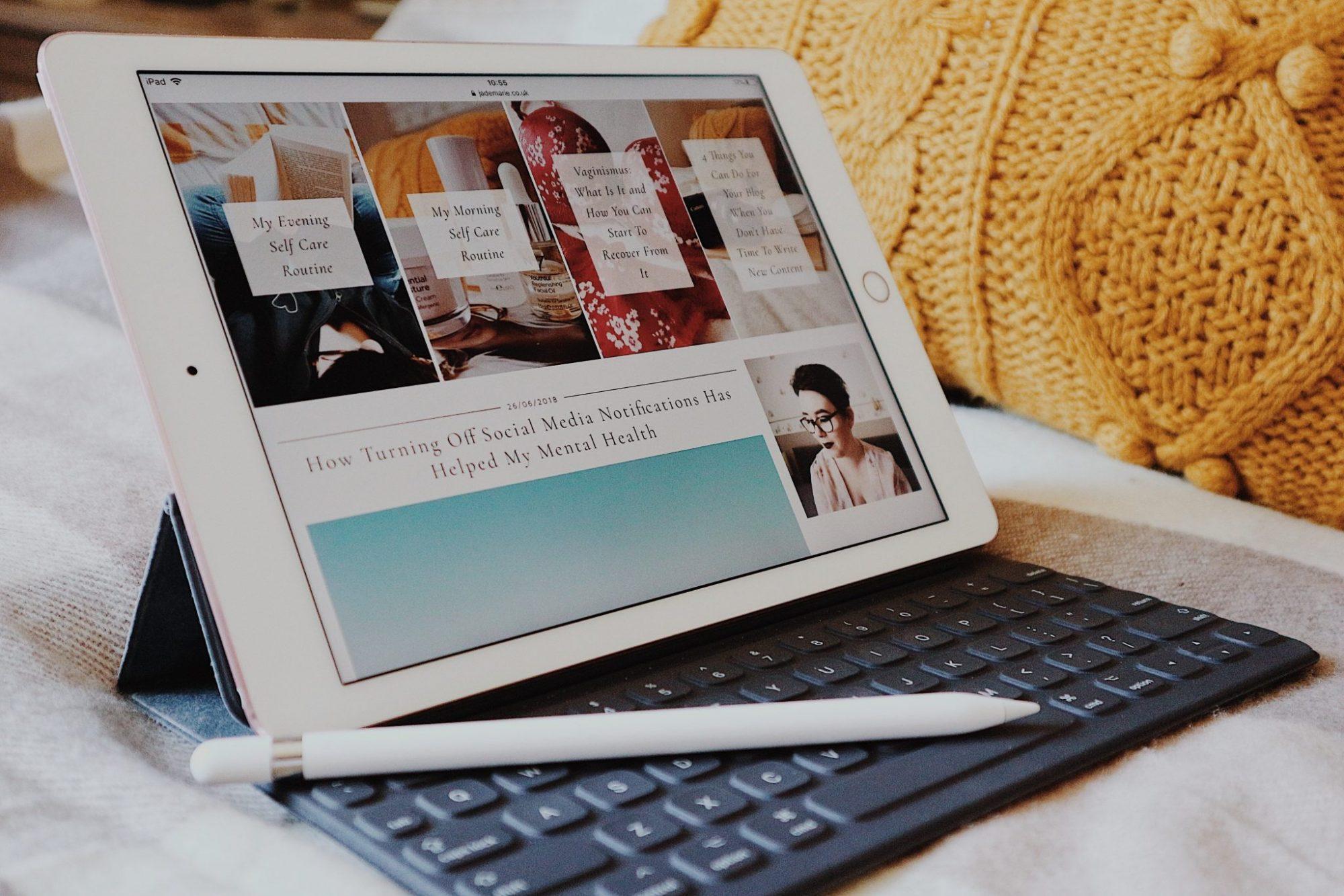 iPad Pro, Magnetic Keyboard & Apple Pencil