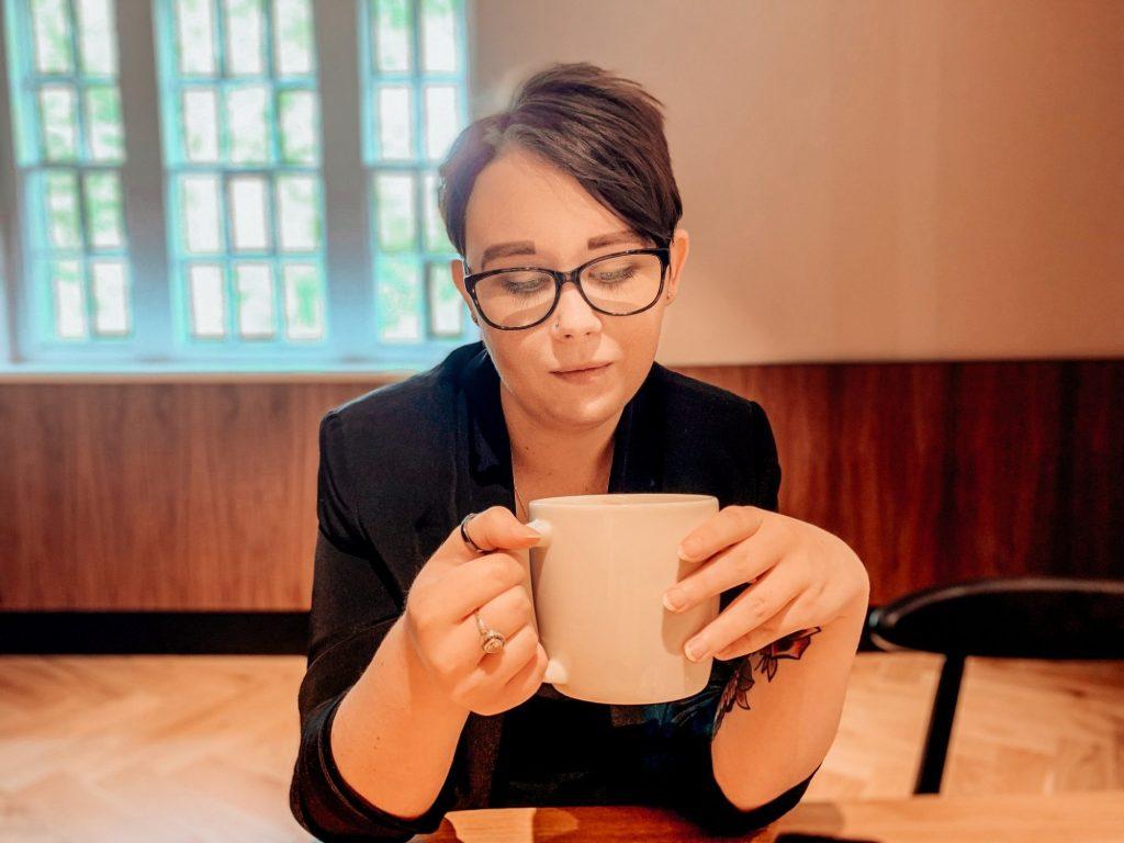 Jade Marie Having A Coffee In Starbucks