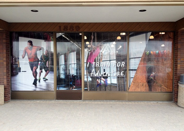 retail store window graphics