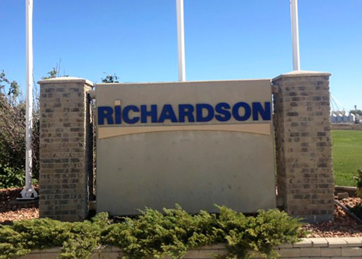 richardson sign winnipeg
