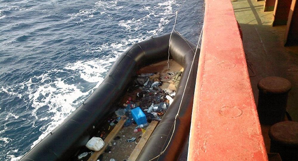 البحرية الإسبانية تعلن وفاة 11 مهاجرا وإنقاذ 33 آخرين