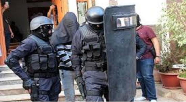 """""""البسيج"""" يعتقلُ مواطنًا سويسريًّا بمراكش له علاقة بجريمة إمليل"""