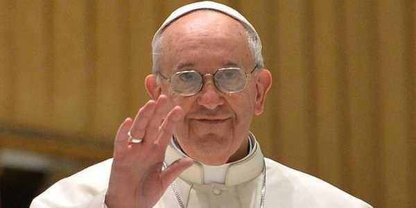 برنامج الكامل لزيارة البابا إستعراضٌ بمركب مولاي عبد الله و خُطبةٌ بساحة مسجد حسّان بالرباط .
