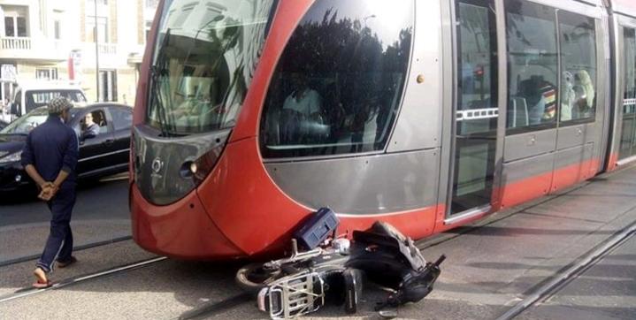 الدار البيضاء : مصرع راكب دراجة نارية في حادثة مع الطرامواي