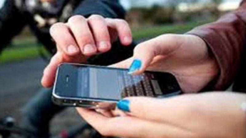 الأمن يُطيحُ بعصابة تمتهن سرقة الهواتف وحقائب يدوية