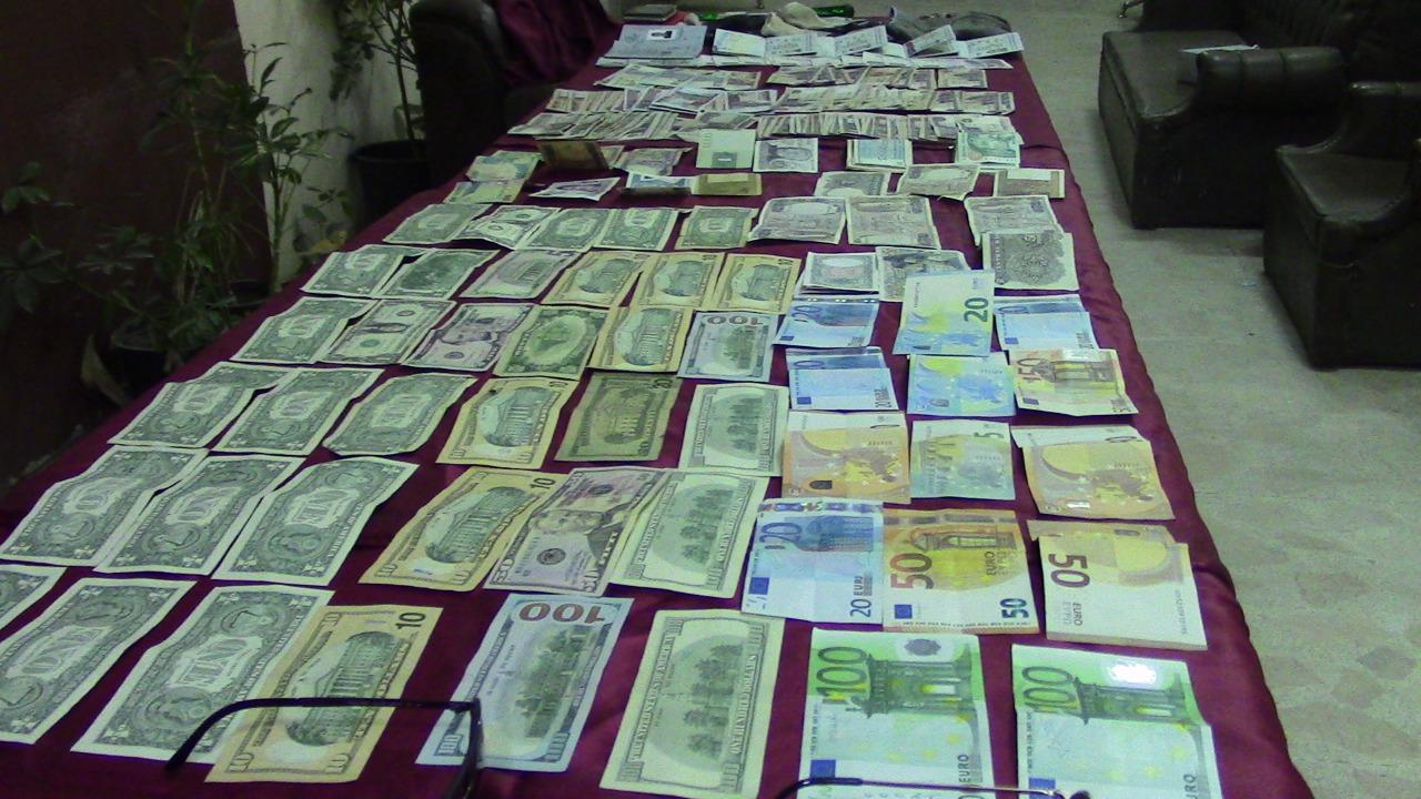 """انفراد …اعتقال شخصين من مالي ومغربي نصبوا على تاجر بسوق السبت وسلباه 40 مليون سنتيم ب""""السماوي"""""""